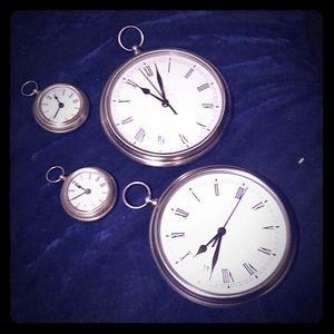 Pot. Barn PocketWatch Clock Set